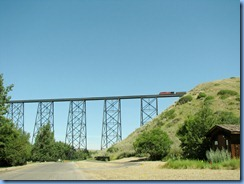 1637 Alberta Lethbridge - train on High Level Bridge from  Indian Battle Park