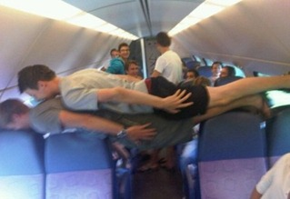 Bizarre-And-Funny-Planking-Craze-8