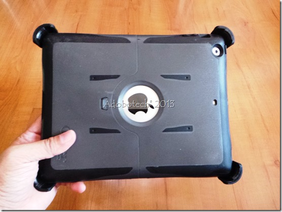 Otterbox iPad Reflex ipad with cover back view