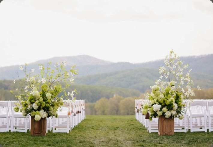 aisle headers site$!600x Andrea Hubbell photo and southern blooms by pats floral design
