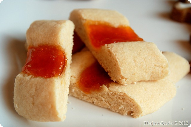 ... Bliss: From the Kitchen: Apricot Jam Bars (aka Split-Second Cookies