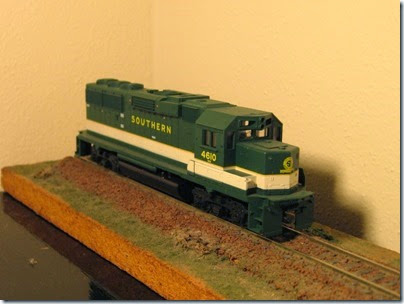 IMG_9458 Athearn GP60 Southern #4610 Before