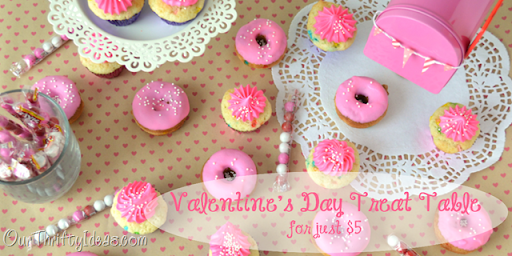 Our Thrifty Ideas   Valentineu0027s Party Treat Table For Just $5.