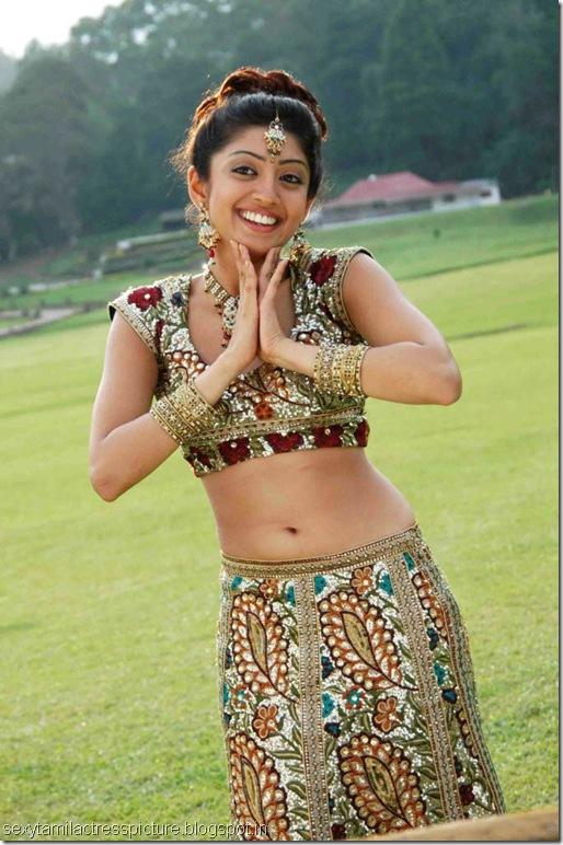 preneetha-exposing-hot-navel-stills