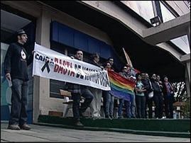 protesto contra homofobia em banco