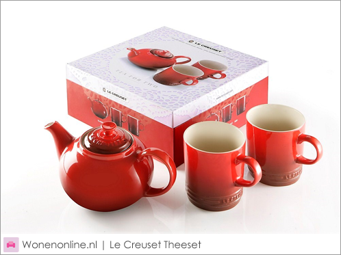 Le-Creuset-Theeset-2