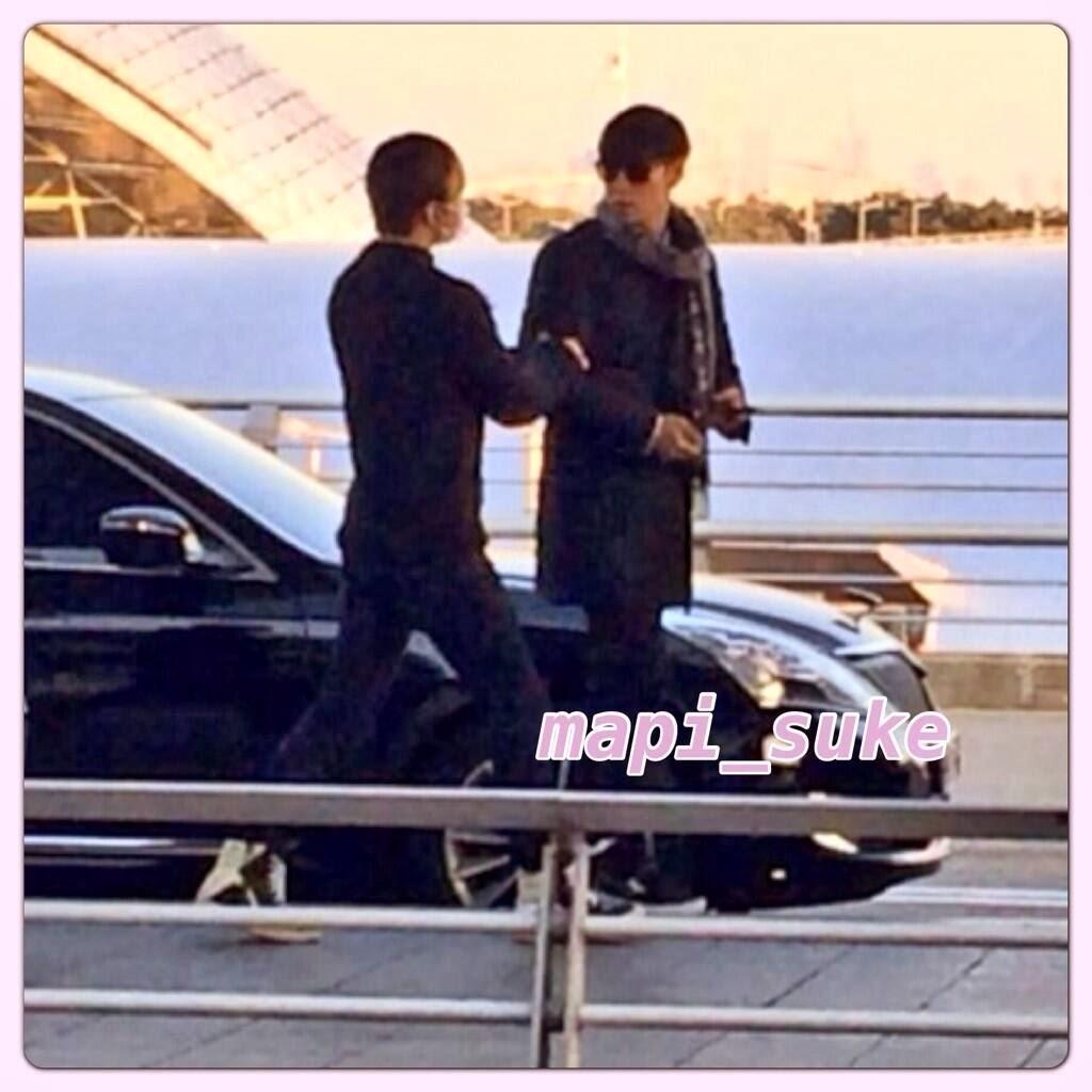 Big Bang - Incheon Airport - 06dec2013 - Fan - Mapi Suke - 01.jpg