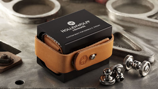 We love how handsome and manly the HollenWolff packaging is.