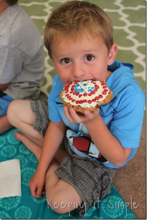 #shop Captain-America-M&M's-Shield-Cookies (16)