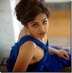 radhika_stylish_pic