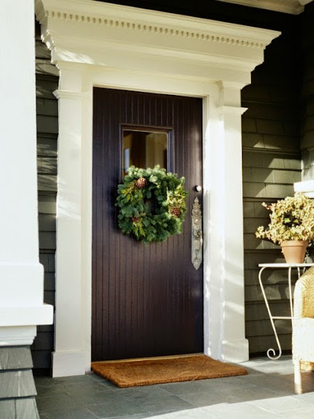 Front Door With Christmas Wreath 520x693 Front Door Ideas