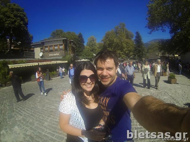 Με την αγαπημένη μου Ηλέκτρα στην κεντρική πλατεία του Μετσόβου.