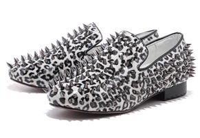 Christian Louboutin Rollerball Loafers Black and white patent leather leopard spike Men Sneaker5_01