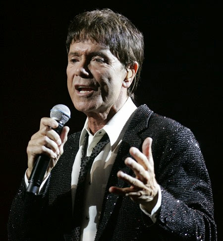 CLIFF RICHARD 832