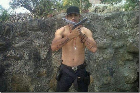 mexican-cartel-facebook-9