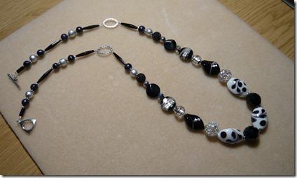 black beads5