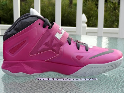 nike zoom soldier 7 gr think pink 2 06 Nike Zoom LeBron Soldier VII   Kay Yow / Think Pink