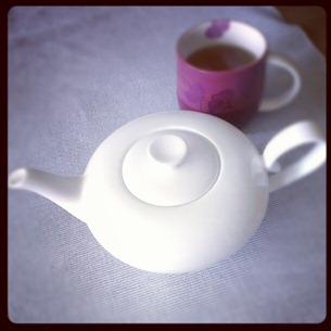 3 Heute kommt der Tee mal aus der schicken Kanne