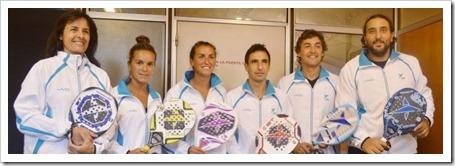 Selección Argentina Beach Tennis. De izq. a der. Liliana Patron, Gisela Davila, Ailin Wirth, Alejandro Pardini, Gaston Etchegoyen, Adrian Gudon