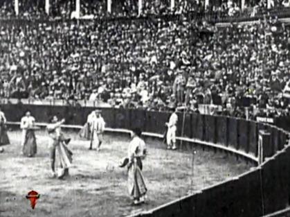 1914-04-22 Sevilla Joselito saludos 01