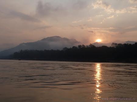 Rasarit soare pe Mekong