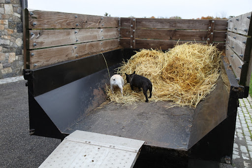 That's it, Sharkey.  We need to load the old hay onto this muck trailer.