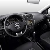2014-Dacia-Logan-MCV-16.jpg