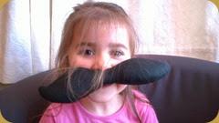 Robin Face Moustach