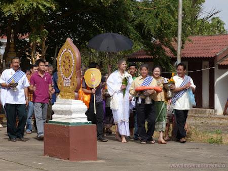 11.  ceremonie budista.JPG