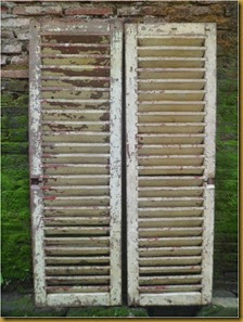 Jendela kayu angin angin