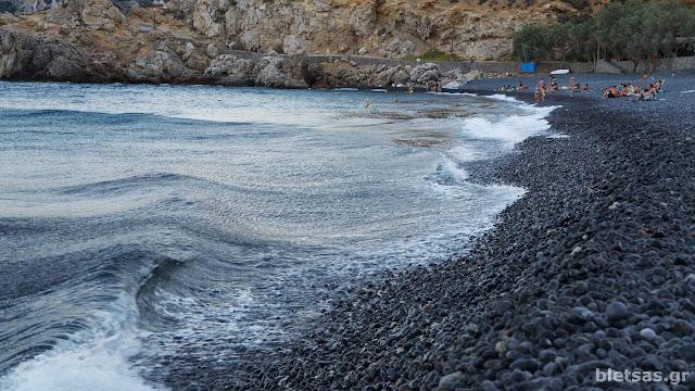 Παραλία Μαύρα Βόλια. Παραλία που πρέπει σίγουρα να δεις αν πας Χιο.
