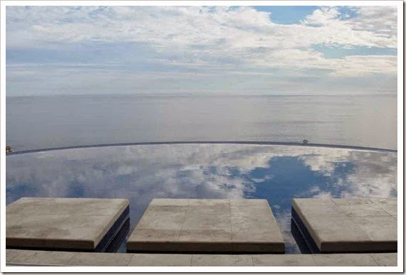 incredibe-view-from-infinity-pool