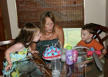 Mommy's Birthday Cake 2011 (6)