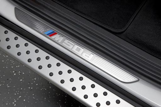 BMW-X6-M50d-09.jpg