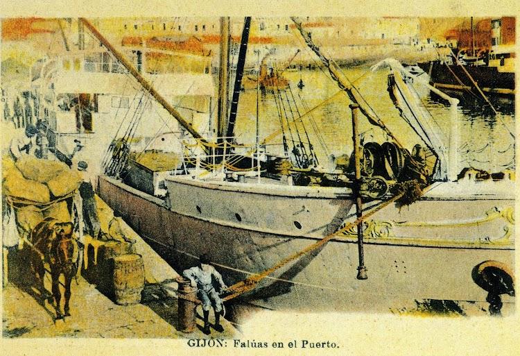 Foto de detalle, desgraciadamente coloreada, del vapor CHIO en Gijón. Foto del libro GIJON. VISION Y MEMORIA PORTUARIA..jpg