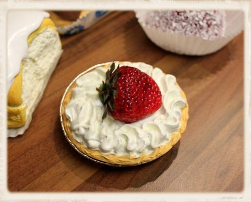 cream cakes 2