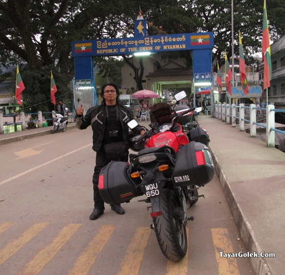 Han TayarGolek.Com crossing Myanmar by bike