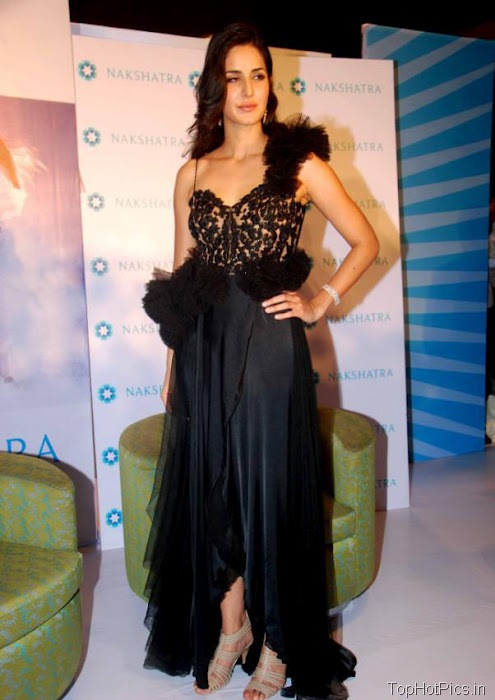 Katrina Kaif Beautiful Pics in Black Lace Dress 7
