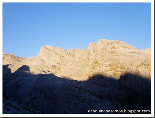 Jito Escarandi - Jierru 2424m - Lechugales 2444m - Grajal de Arriba y de Abajo (Picos de Europa) 0042