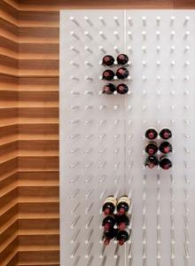 bodega-de-vinos-cocina-de-lujo-departamento-de-lujo-watergate-robert-gurney-arquitecto