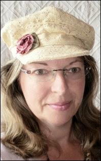 Julia - Vintage with Laces