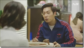 Let's.Eat.E04.mp4_002646477