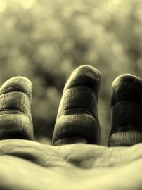 Une-main-tendue