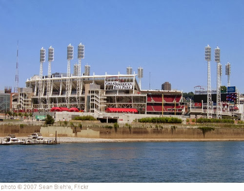 'Great American Ballpark' photo (c) 2007, Sean Biehle - license: http://creativecommons.org/licenses/by-sa/2.0/