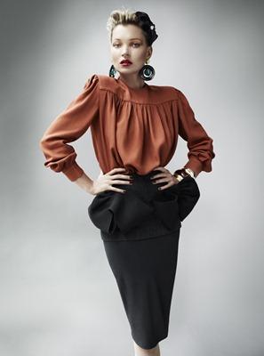 Kate_Moss_by_Mario_Testino_(A_La_Mode_-_UK_Vogue_August_2011)_1