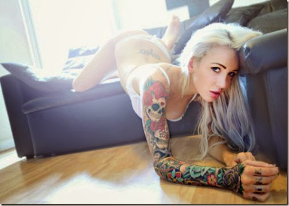 hot-tattooed-women-004