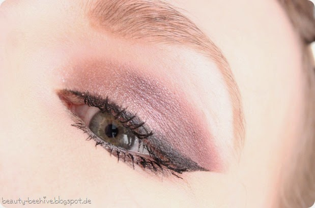 MAC Julia Petit Eyeshadow Duo Sagu Swatch Amu Make up Purplemyweek Cinderella Glitter Reflects Pearll