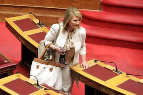 Ορκίζεται στις 12:30 η νέα κυβέρνηση – Παραιτήθηκε η Βούλτεψη