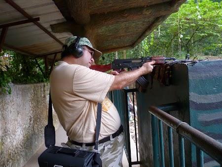 13. AK 47 Vietnam.JPG