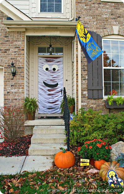 mummy door for halloween
